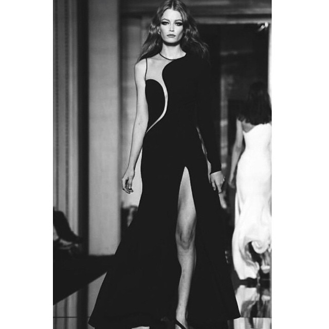 ⚡️⚡️⚡️⚡️HOLLIE-MAY SAKER @holliemaysaker #Versace Couture Paris ⚡️⚡️⚡️⚡️ #pfw #models1 #holliemaysaker