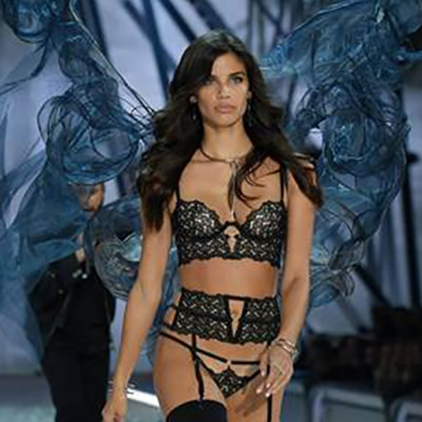 vs-show-16-feat